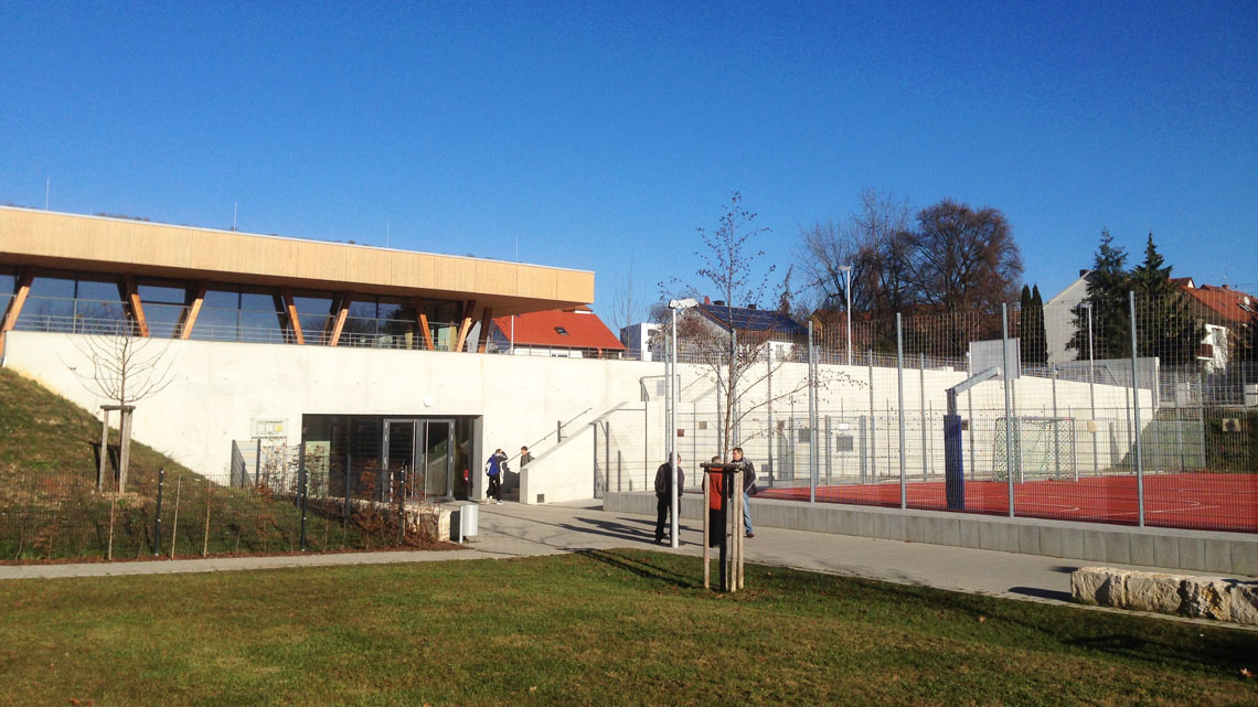 05_Schwabach_Eingang_Sporthalle_1140